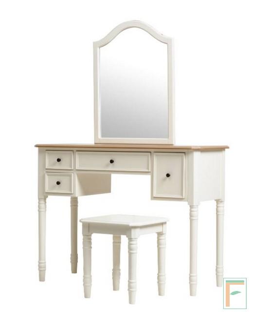 Meja Rias Konsep Modern dengan Warna Putih